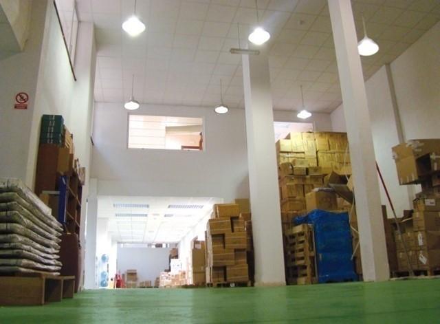 Almacén de Evalcris, servicios de logística